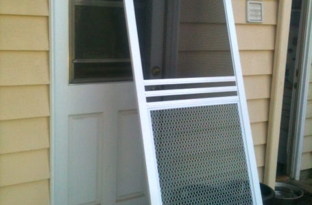 Vinyl Windows – Screen Door Installation Tips
