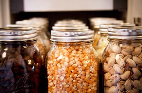 What to Look For When Purchasing One Year Food Storage